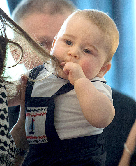 Is your baby so powerful that he can chew on the Duchess of Cambridge's hair? I. DON'T. THINK. SO.